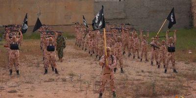 Tres participantes se encontraron en medio de un enfrentamiento entre combatientes Kurdos y militantes del ISIS. Foto:AP