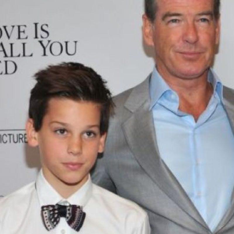 Pierce Brosnan y su hijo Paris. Foto:vía Getty Images