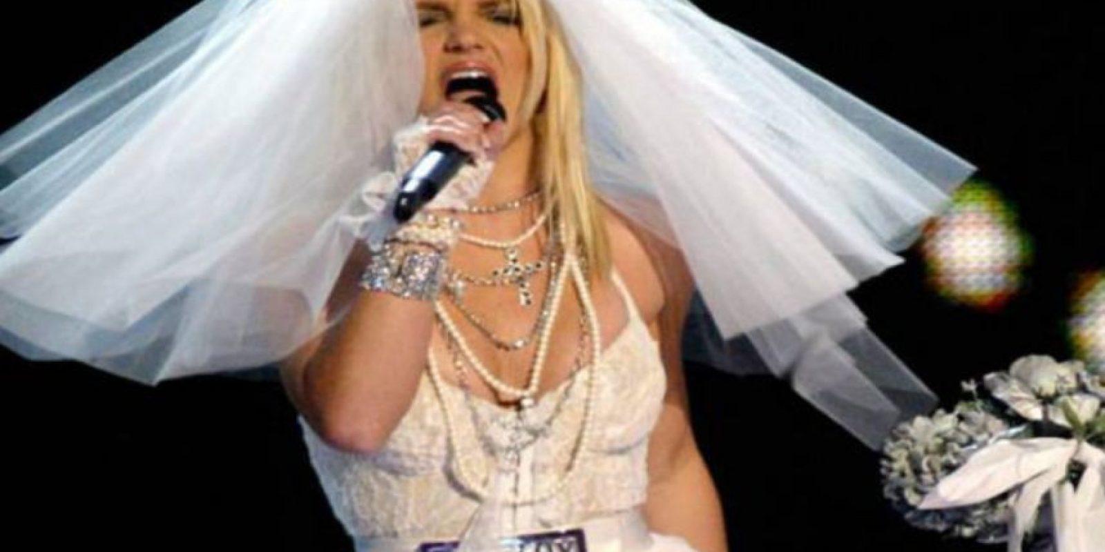 El vestido que Britney usó en escenario fue tan feo como el que usó con Kevin Federline. Foto:vía Getty Images