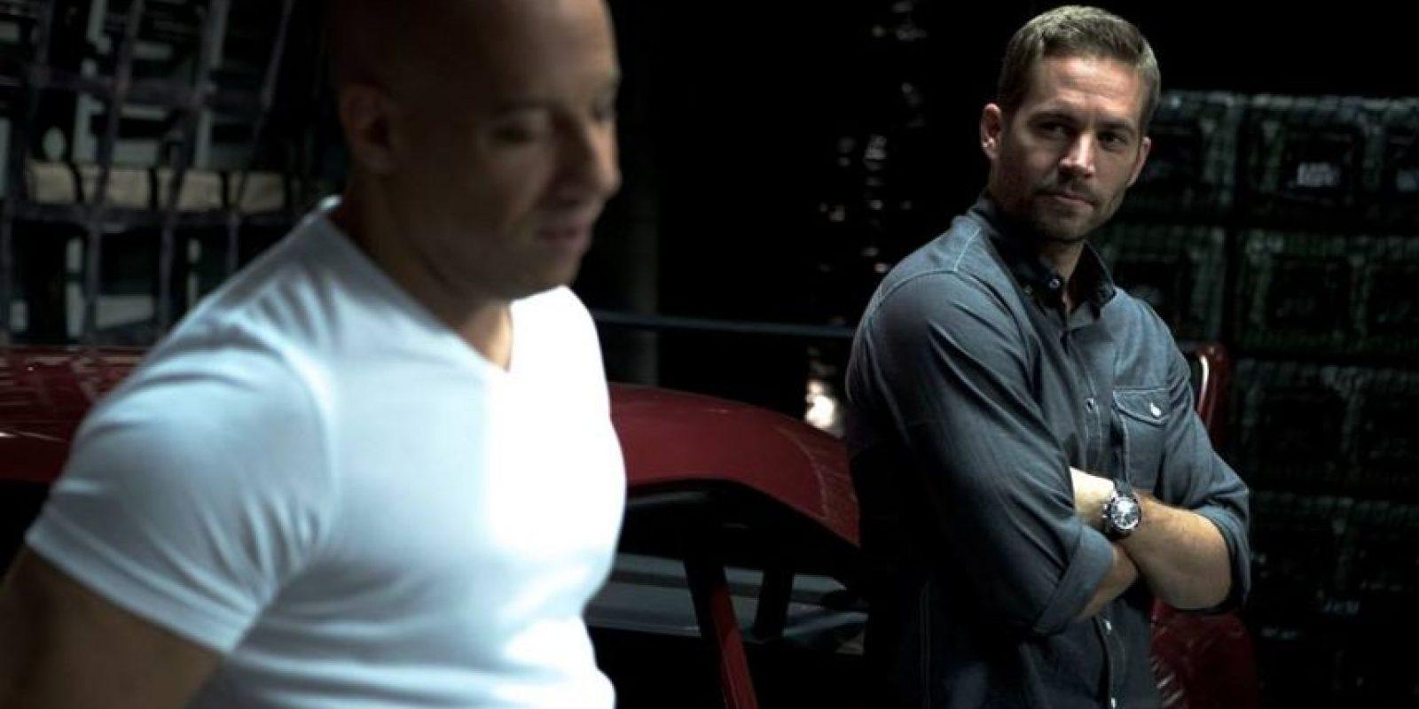 """Aquel día grabaron la escena en la que """"Brian O'Conner"""" (Walker) intenta resucitar a """"Toretto"""", quien cae en el asfalto después de saltar con su auto. Foto:Vía Facebook.com/VinDiesel"""