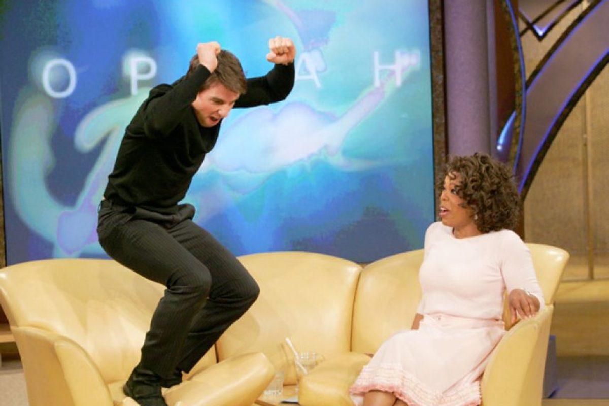 6. Tom Cruise saltando, feliz por su matrimonio con Katie Holmes. Foto:vía Oprah.com