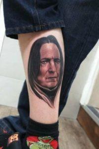 """Severus Snape"" de ""Harry Potter"" Foto:vía twitter.com/RavageTattoos"