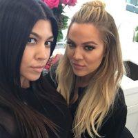 """""""Si no estamos con ella, es difícil recordar en ese momento que estoy hablando con Caitlyn y no con Bruce"""", aseguró la hermana de Kim Kardashian. Foto:Instagram/KourtneyKardashian"""