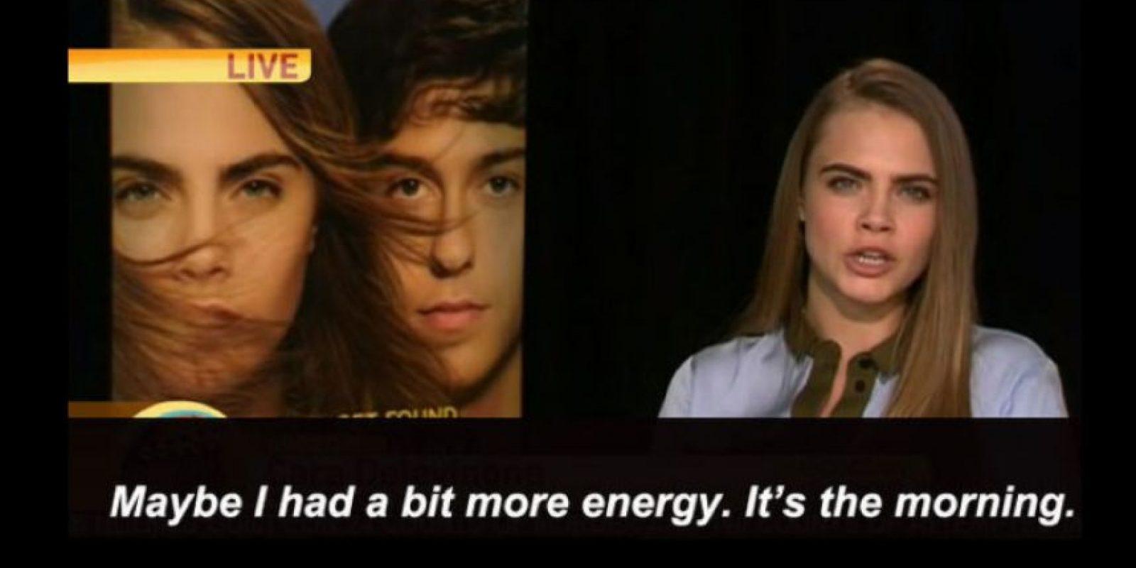 """El presentador fue más allá y le dijo que ella estaba medio """"irritable"""". Ella le dijo, sarcásticamente: """"Quizás he tenido más energía antes. Es la mañana"""". Foto:vía Youtube"""