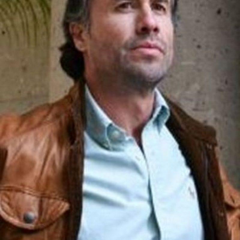 Jesús Blancornelas era Jesús Linares, interpretado por Fabián Peña Foto:Telemundo