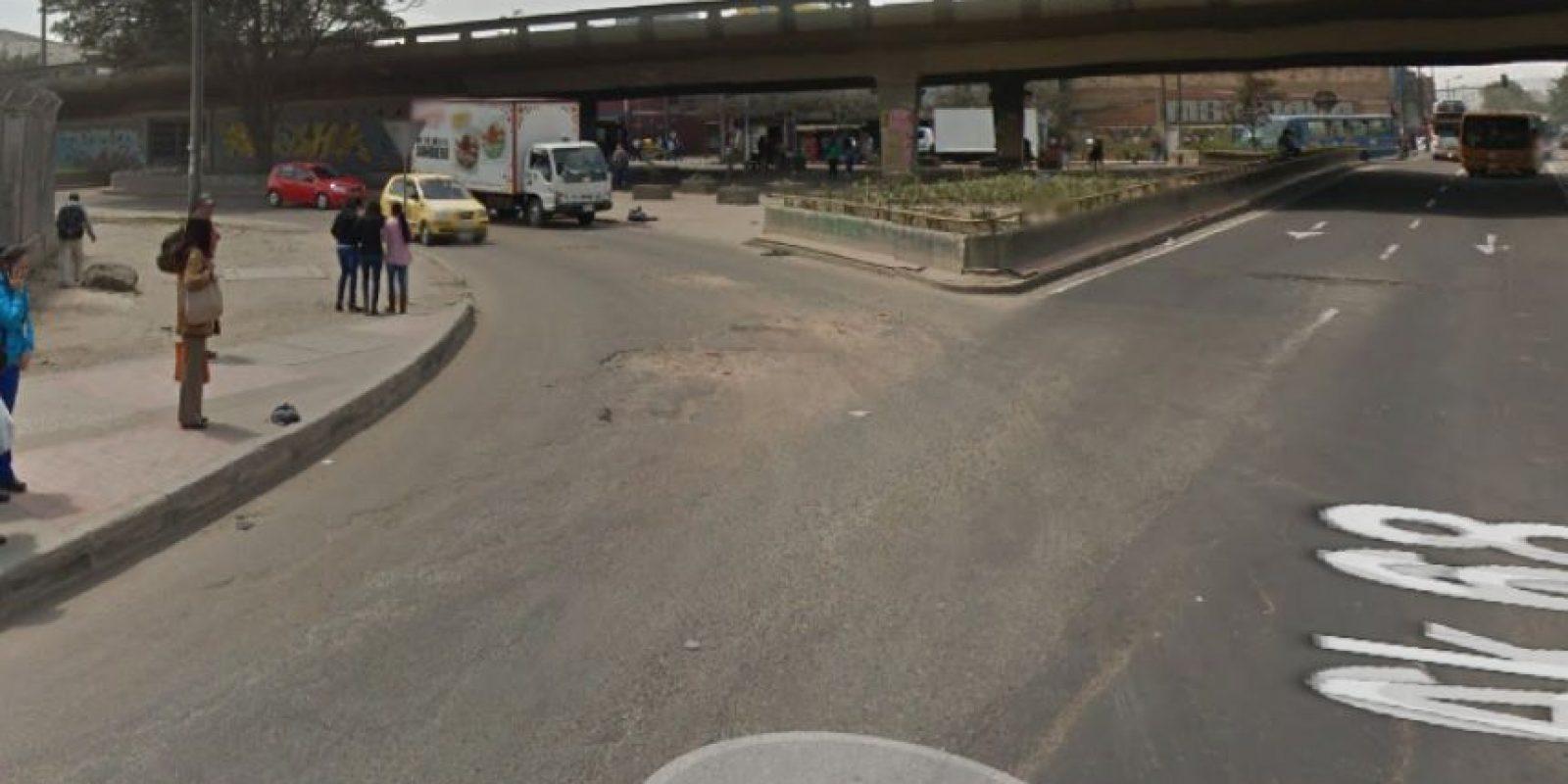 La intersección de la calle 13 con avenida 68 es casi intransitable. Foto:Google Street View
