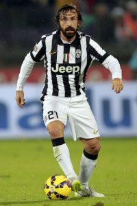 El joven argentino tendrá una gran responsabilidad al llevar el 21 de Andrea Pirlo. Foto:Getty Images
