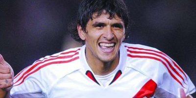 Luis González. Regresó al club en condición de libre, 10 años después de su salida al fútbol europeo Foto:Vía twitter.com/CARPOficial