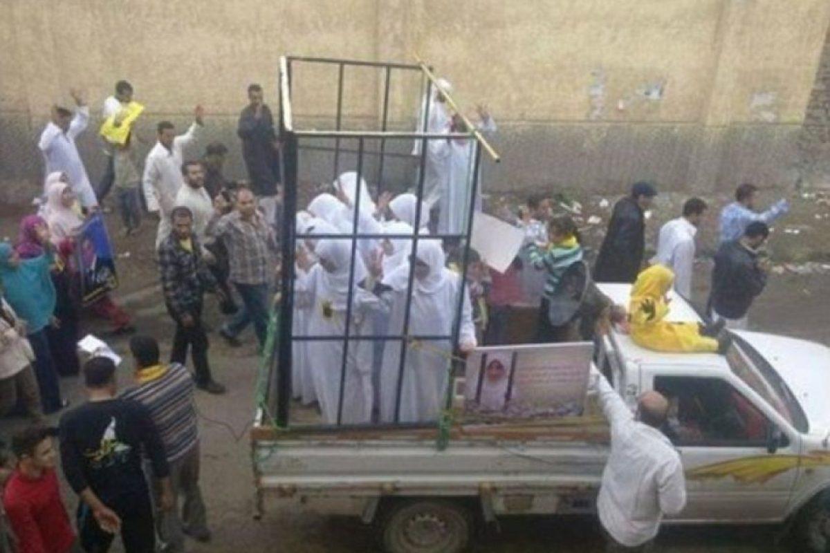 A través de Internet, circula un documento filtrado en el que se muestran los precios que ha establecido a Estado Islámico por sus mujeres, ya sean yizadís o cristianas Foto:Twitter – Archivo