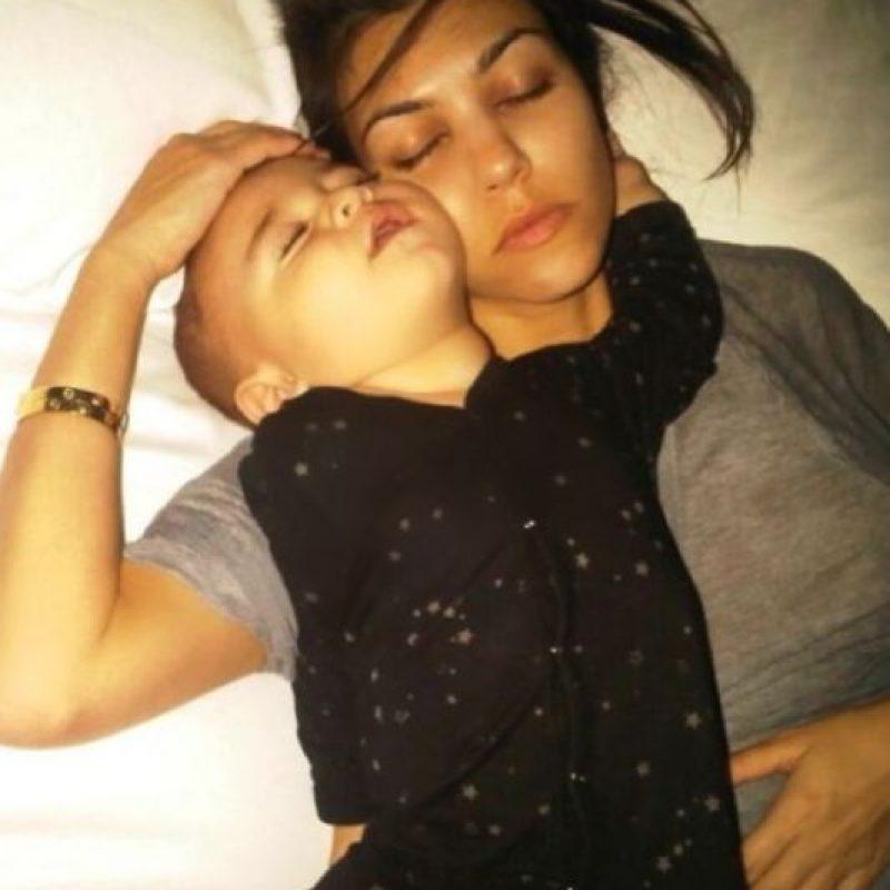 Con su bebé. Foto:vía Instagram.