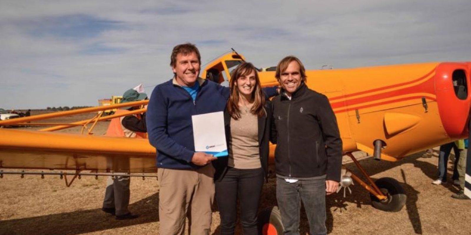 María Luz Alonso otorgó el avión al club de Planeadores Santa Rosa. Foto:Vía facebook.com/María-Luz-Luchy-Alonso