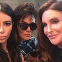 La primera foto Kriss y Caitlyn Jenner juntas Foto:Instagram Kim Kardashian