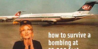 Vesna Vulovic estaba trabajando como asistente de vuelo en 1972, cuando se produjo una explosión mientras el avión volaba sobre lo que hoy es la República Checa.Vulovic descendió 33.000 pies sin paracaídas. Tan loco como suena , ella sobrevivió con una fractura de cráneo , piernas y tres vértebras rotas.