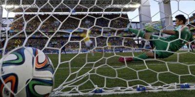 6. El ojo de halcón. La última tecnología del fútbol llega a Alemania para terminar con las polémicas y goles fantasmas Foto:Getty Images