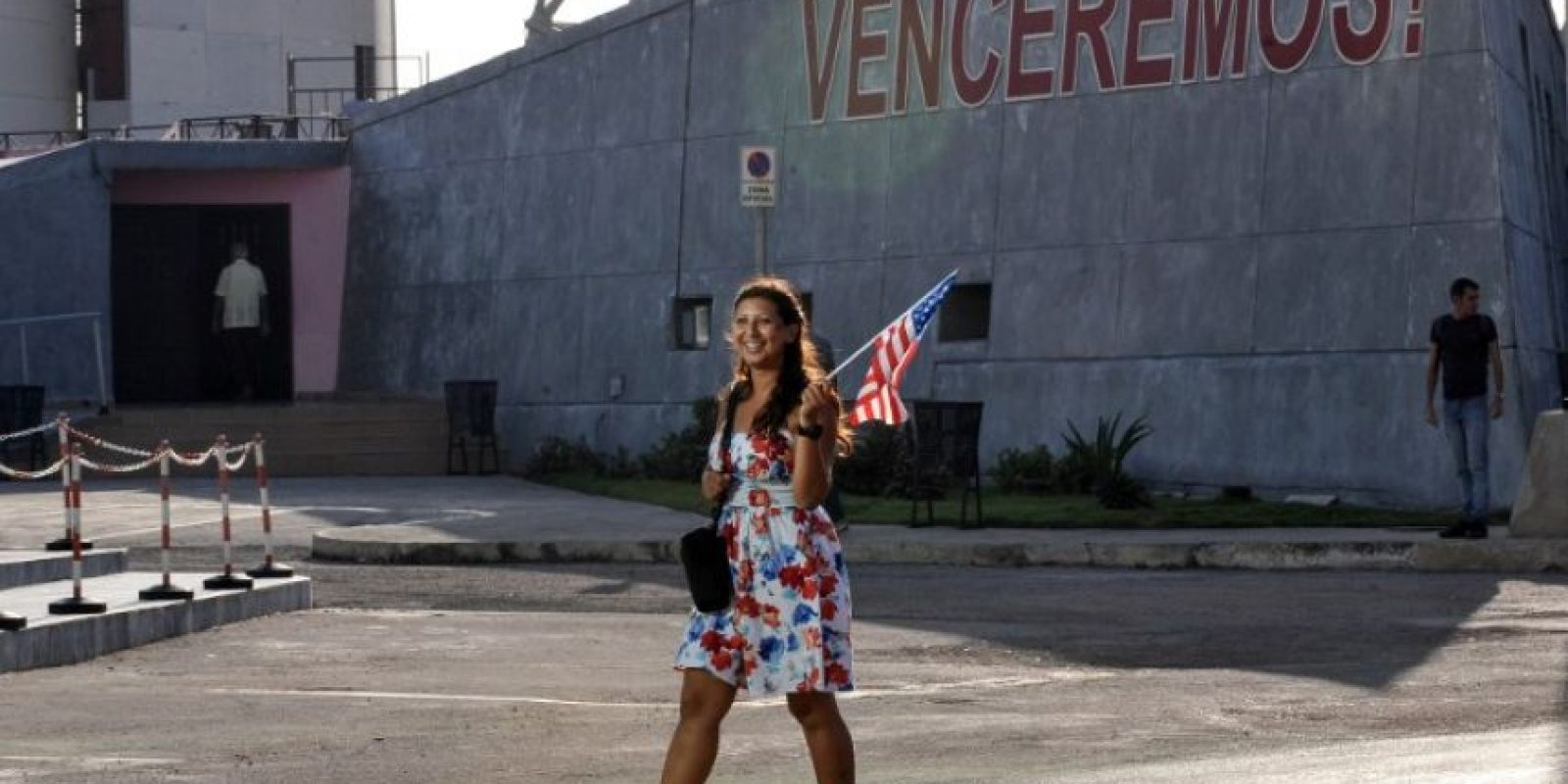 En 1977, durante el mandato del presidente Carter, los gobiernos de los Estados Unidos y Cuba firmaron un acuerdo estableciendo la apertura de la Sección de Intereses de los Estados Unidos (USINT) en La Habana y de la Sección de Intereses de Cuba en Washington DC. Foto:AFP