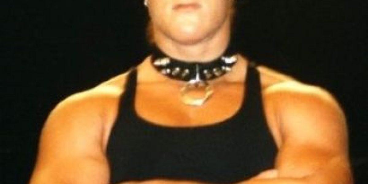 Exdiva de la WWE estuvo a punto de ser sacada del funeral de Roddy Pipper