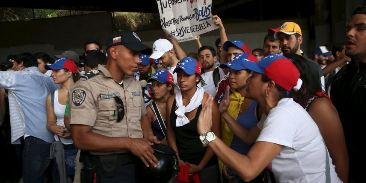 Venezuela: Difunden video de policías fusilando a un preso