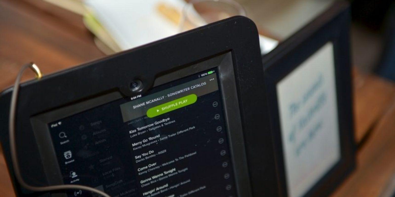 Solo dos canciones en español aparecen en la lista Foto:Spotify