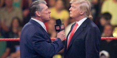 Vince McMahon eligió a Umaga para que peleara en su representación. El dueño de la WWE perdió y tuvo que cortarse el cabello Foto:WWE
