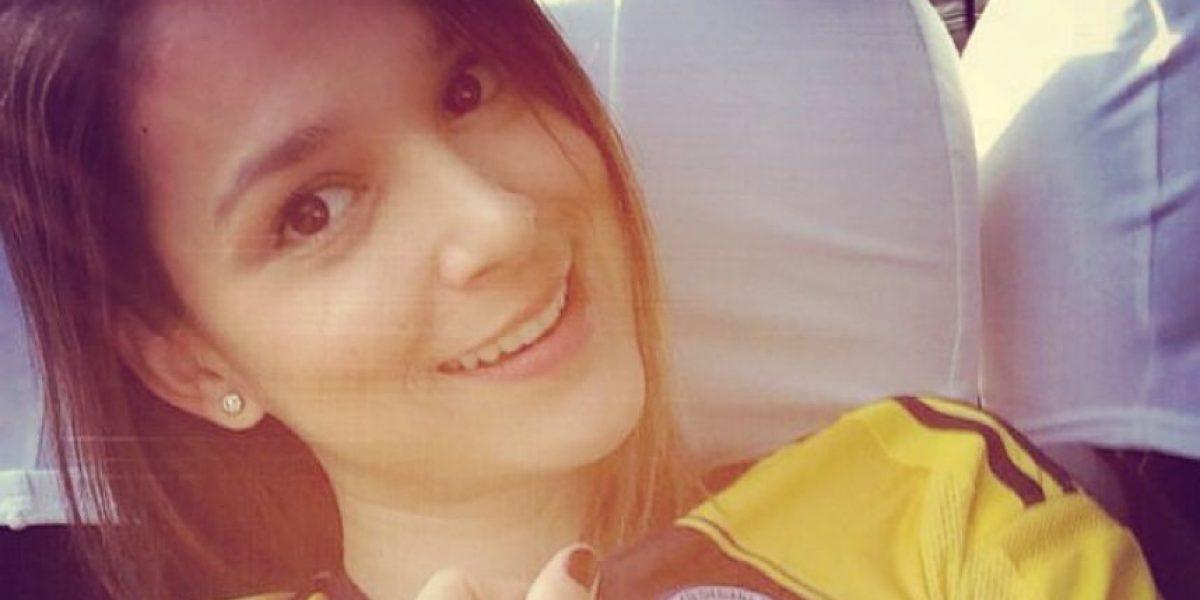 ¡Belleza angelical! La esposa de Aguilar, gran apoyo en su recuperación
