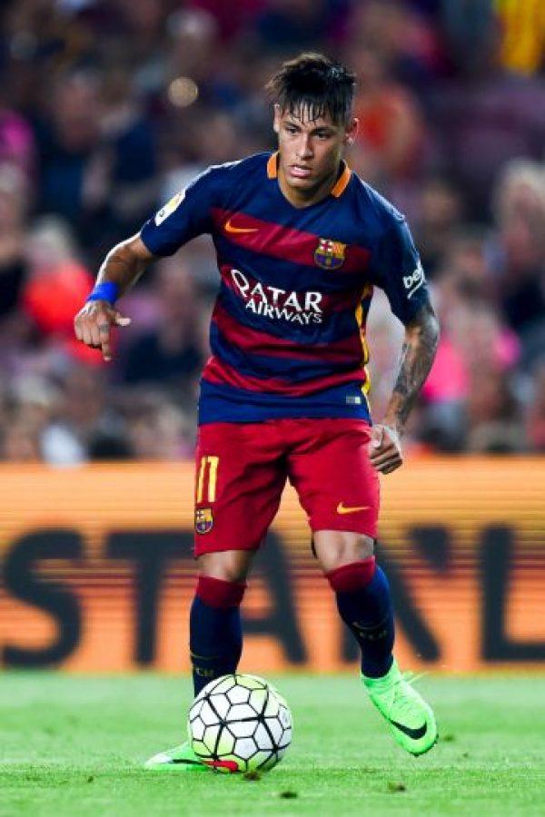 El crack brasileño tuvo una campaña de ensueño junto con sus compañeros en el Barça, Lionel Messi y Luis Suárez, ahora demostrará que sigue siendo el dueño del lado izquierdo en toda la liga de España. Foto:Getty Images