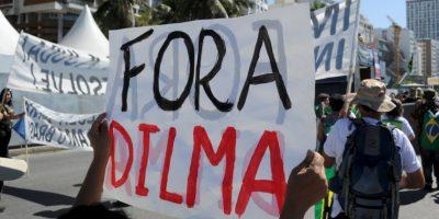 2. Durante la manifestación del domingo muchos cargaron pancartas que hacían alusión al fiscal federal. Foto:AFP