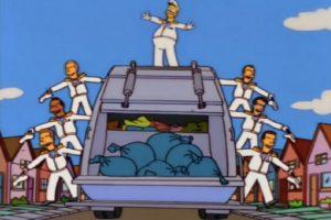 Homero intentó manejar el tema de las basuras en Springfield con nefastos resultados.