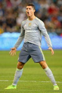 Si Messi impone un récord, Cristiano lo supera; si el argentino anota tres goles, el portugués hace cinco. Foto:Getty Images