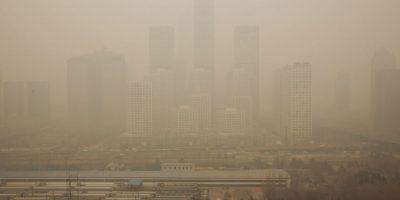 Un estudio detalló que cuatro mil personas mueren diariamente en China debido a la contaminación. Foto:Getty Images