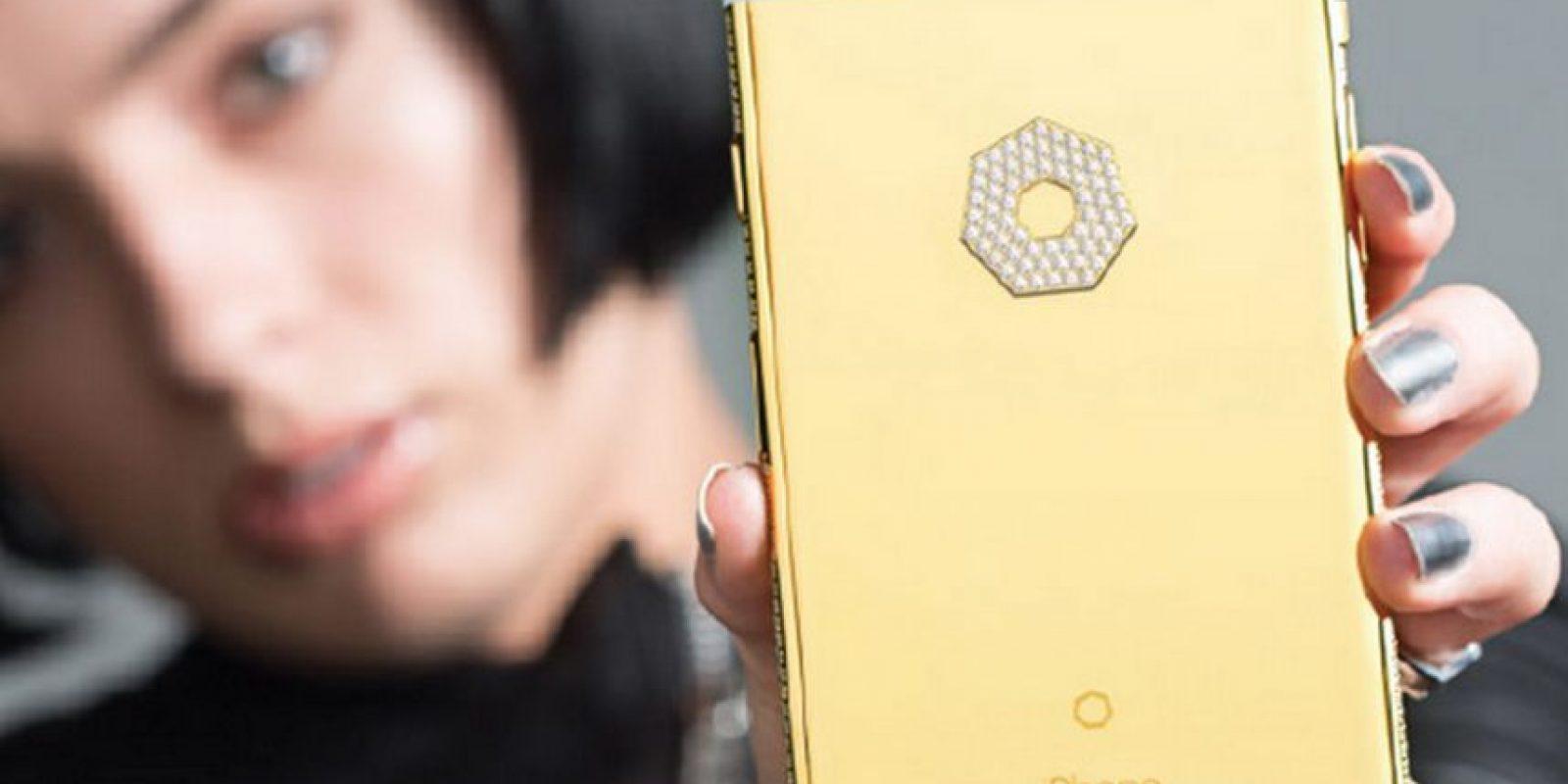 Pueden hacer una edición de lujo de cámaras Nikkon, el Apple Watch o un iPhone Foto:Brikk