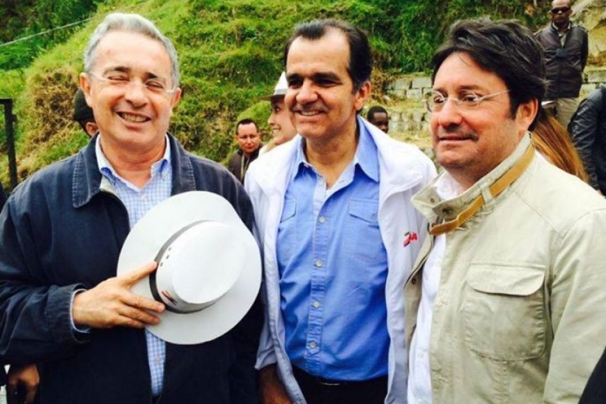 Además es ampliamente identificado con el expresidente Álvaro Uribe Vélez Foto:Facebook – Centro Democrático Comunidad Oficial