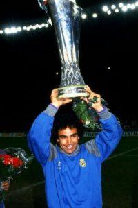 Tenía 18 años cuando debutó con los Pumas de la UNAM. Foto:Getty Images