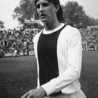 Su debut profesional fue a los 17 años con el Ajax de Holanda. Foto:Getty Images