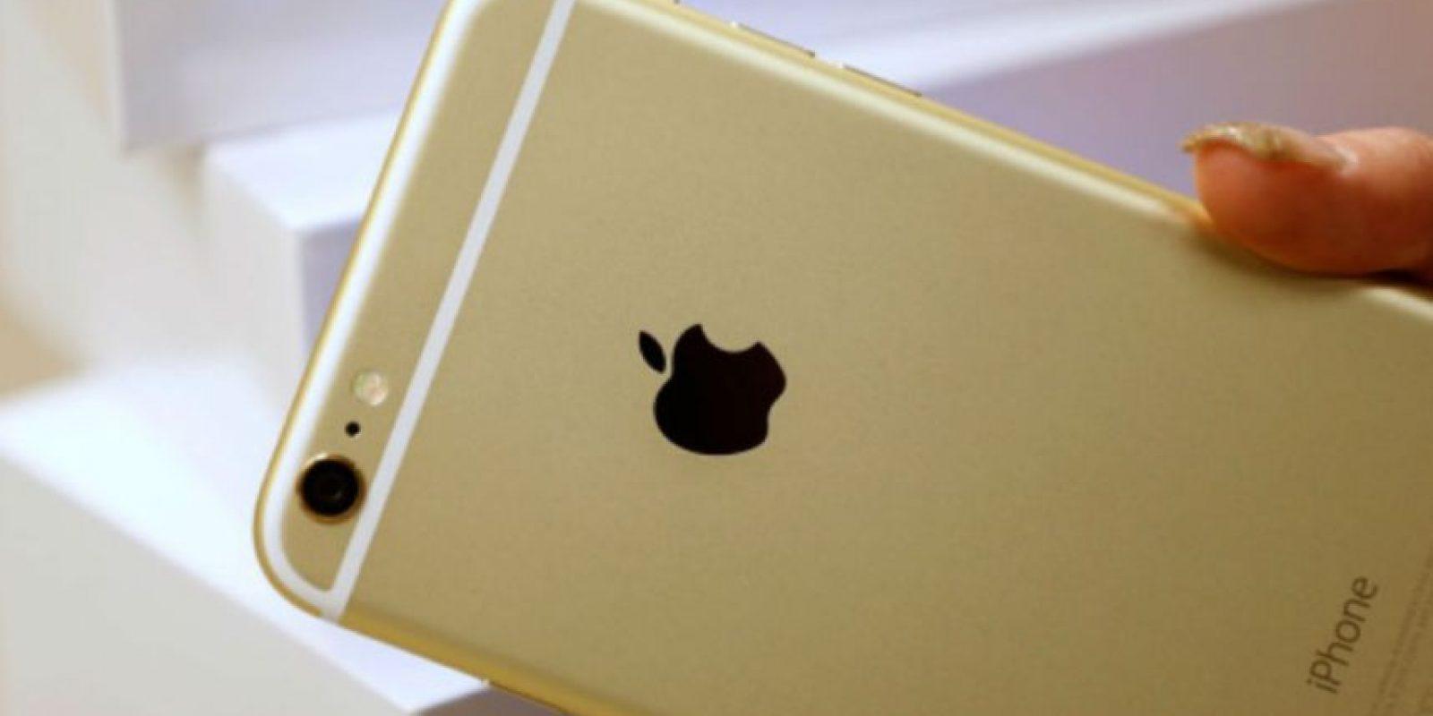 Apple no quiere otro escándalo por posibles casos de iPhones doblados. Foto:Getty Images