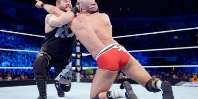 Kevin Owens tendrá una batalla contra Cesaro Foto:WWE