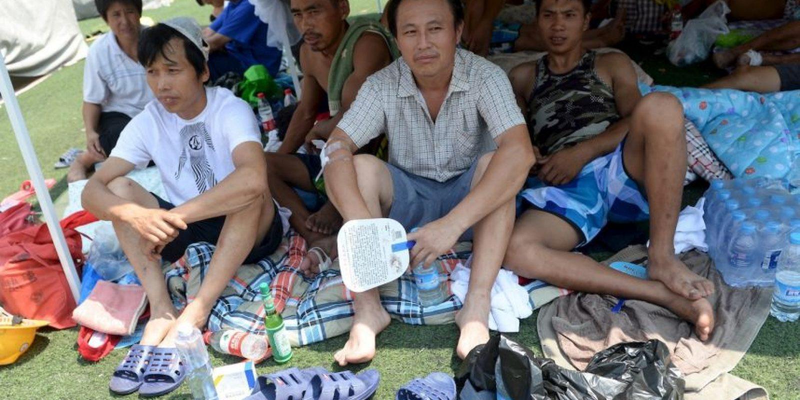 Miiles de personas cuyos hogares fueron dañados se refugiaron en las escuelas cercanas. Foto:AFP