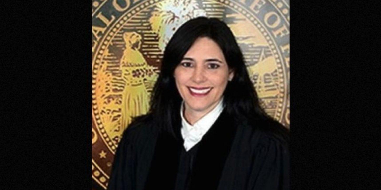 2. Excompañeros de clase se reúnen en corte: ella como jueza y él como acusado Foto:YouTube – Archivo