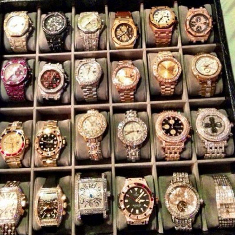¿Qué tal su colección de relojes valuada en 6 millones de dólares? Foto:Vía instagram.com/floydmayweather