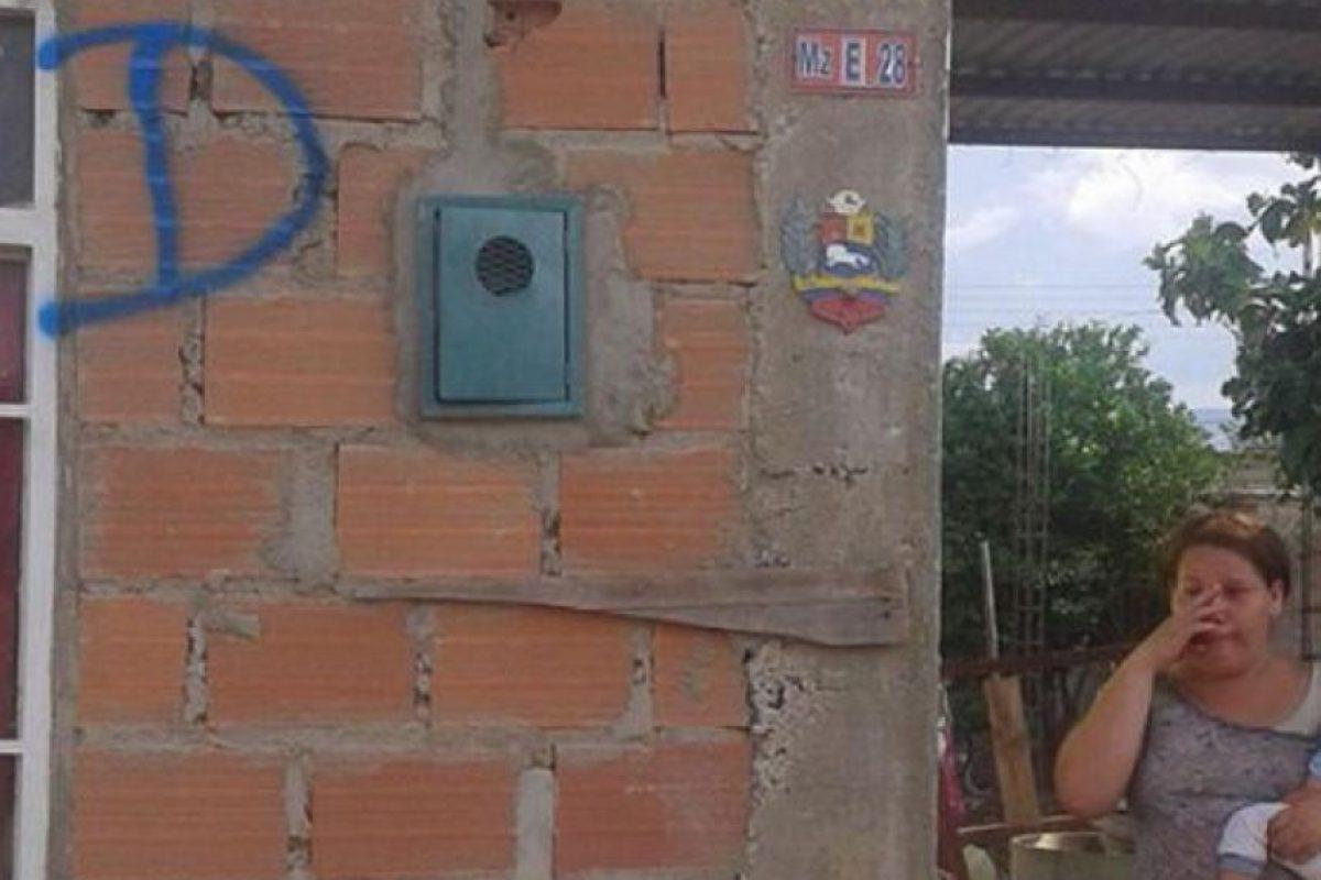 Así marcan las casas de los colombianos en Venezuela para demolerlas. Foto:Blu Radio