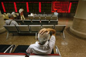 Los mercados accionarios en el mundo abrieron con fuertes pérdidas debido a la debilidad de la economía china y el descenso en los precios del petróleo. Foto:AP