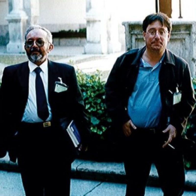 Francisco Santos con el extinto guerrillero Raúl Reyes. Foto:Tomada del portal de Anncol.
