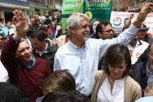 Enrique Peñalosa haciendo campaña con el expresidente Álvaro Uribe Foto:Archivo.