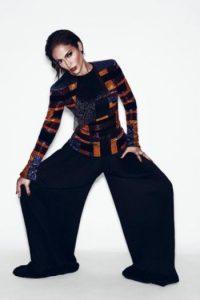 Kim Kardashian posó en más de una ocasión con los diseños de Balmain, pero JLo es la gran inspiración de su diseñador estrella, Oliver Rousteing. Foto:vía instagram.com/balmainparis
