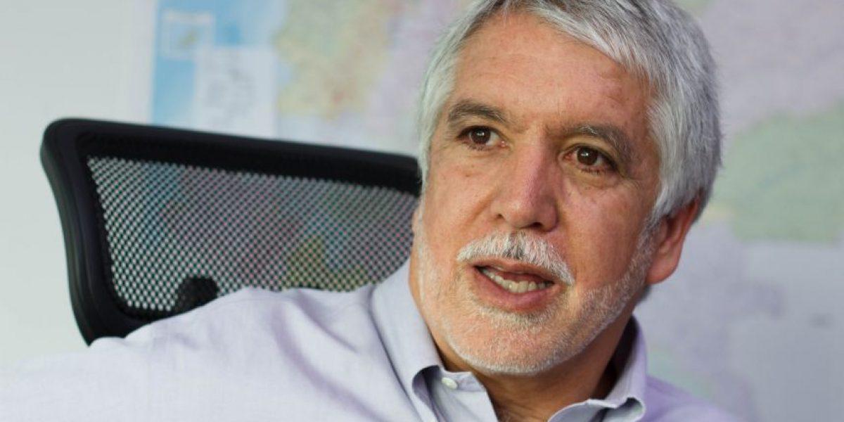 Peñalosa no asistió al Congreso para debate sobre el metro