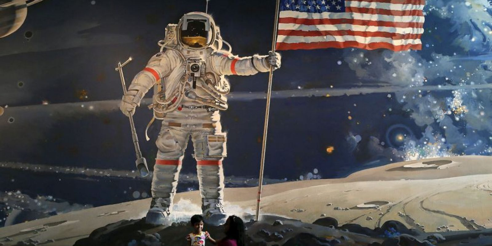 El comandante Neil Armstrong fue el primer ser humano que pisó la superficie de nuestro satélite, el 21 de julio de 1969. Foto:Getty Images