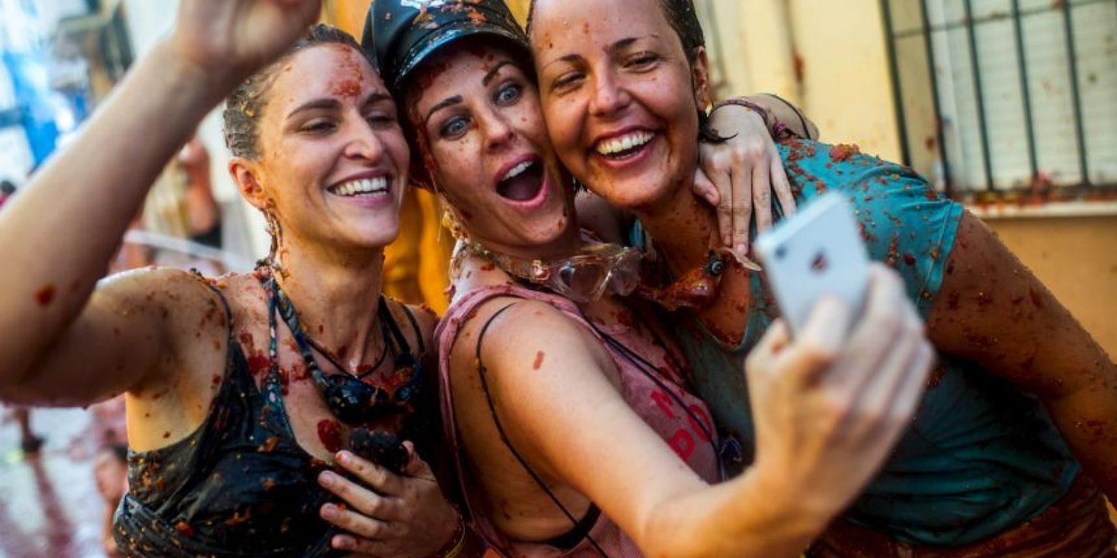 Ahora existe un juego para los teléfonos llamada Tomatina Defense. Foto:Getty Images