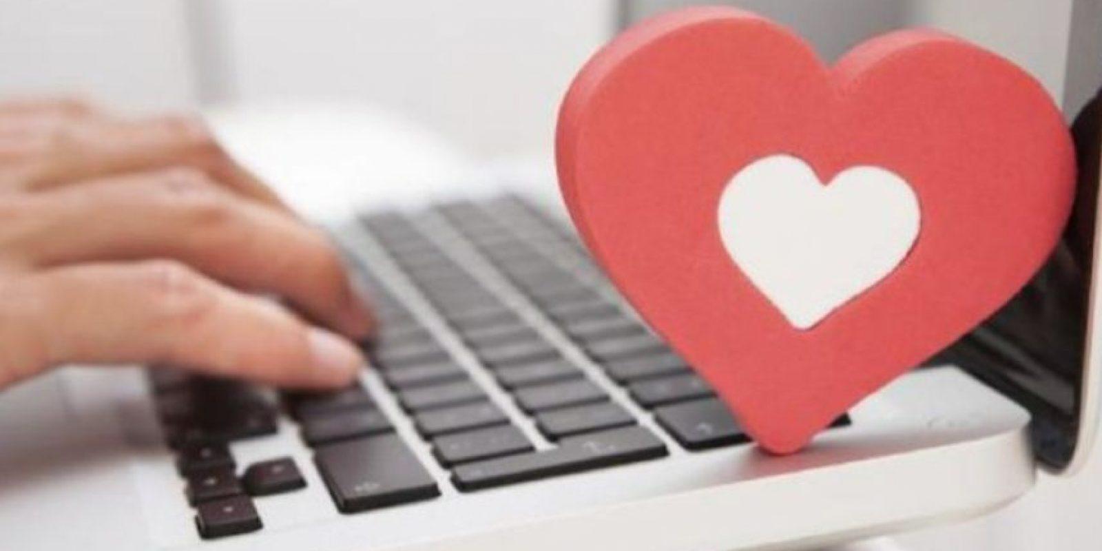 3. ¿Cómo saber si es un perfil es auténtico? Realicen su propia búsqueda online, miren en sus redes sociales y revisen que él o ella tenga existencia auténtica. Foto:Pixabay