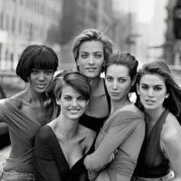 "Cindy Crawford, Naomi Campbell, Linda Evangelista, Tatjena Patitz y Christy Turlington Foto:""Vogue UK"""