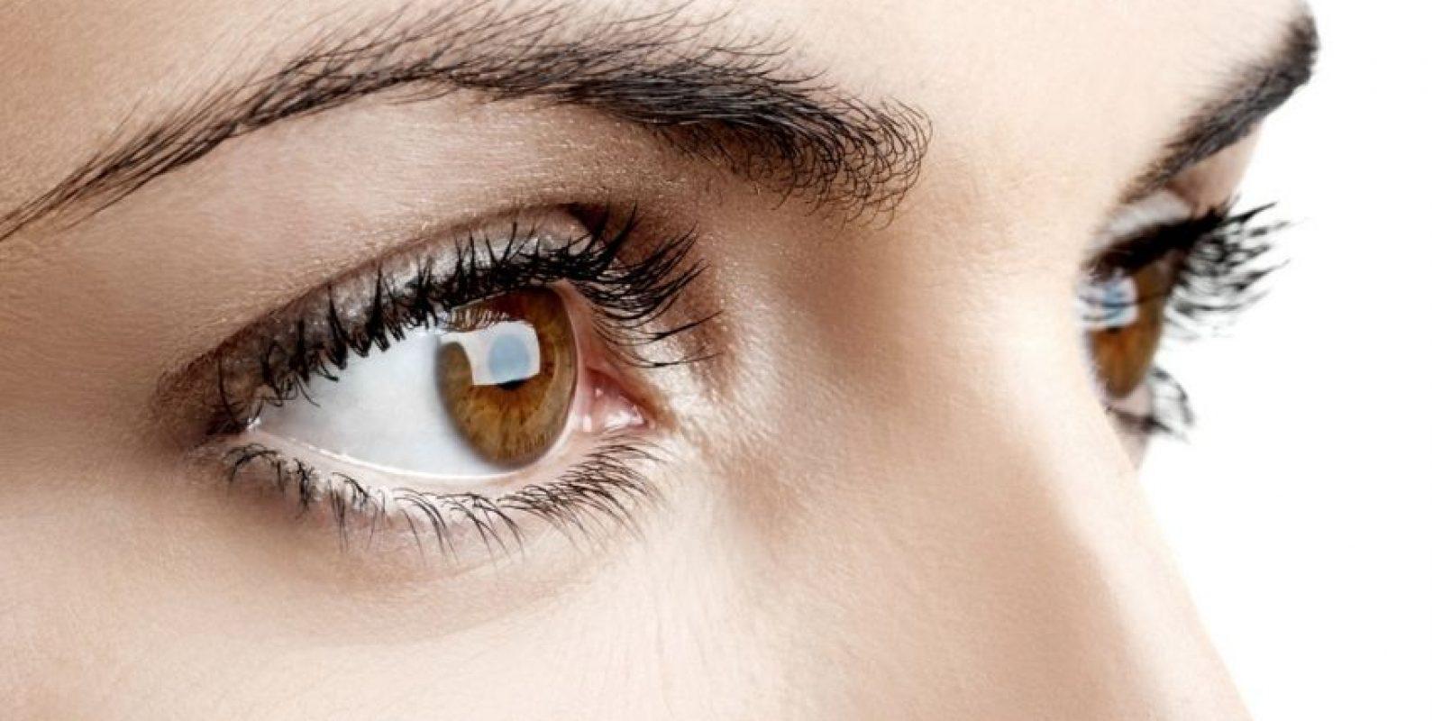 Es aconsejable acudir a un médico, ya que puede resultar una condición grave como la conjuntivitis, y glaucoma. Aunque también hay otras explicaciones, menos graves a menudo provocadas por su vida diaria. Foto:Pinterest
