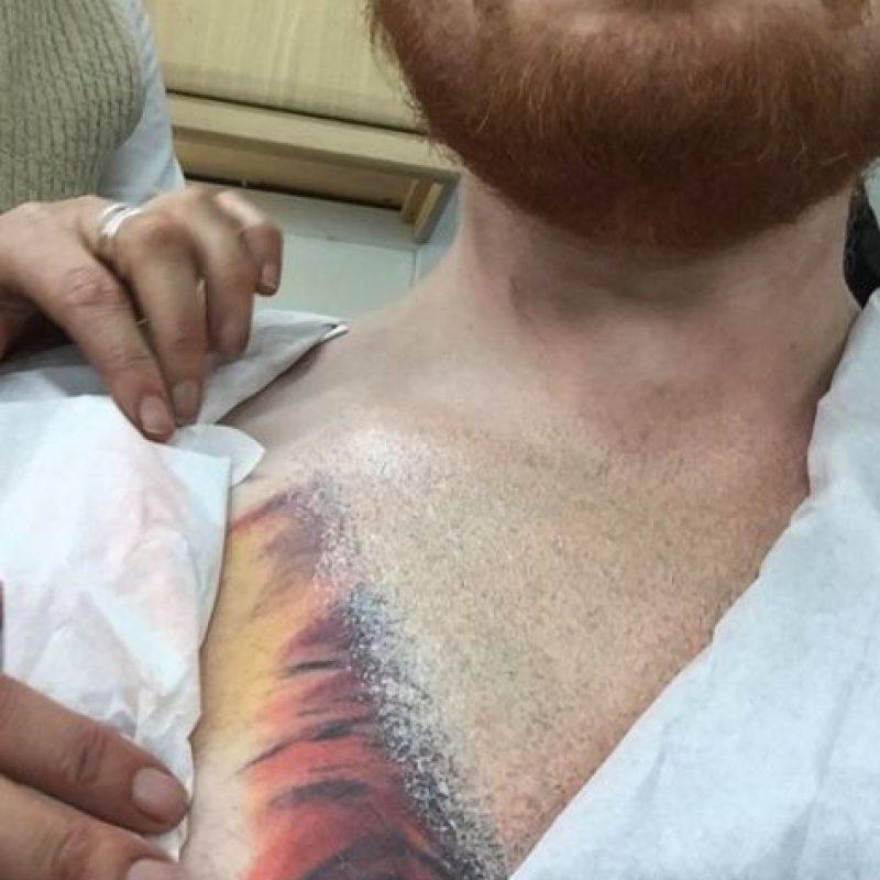 Y en una tercera publicación aclaró que solo jugaba y su tatuaje es tan real que estará en su pecho por años. Foto:vía instagram.com/teddysphotos